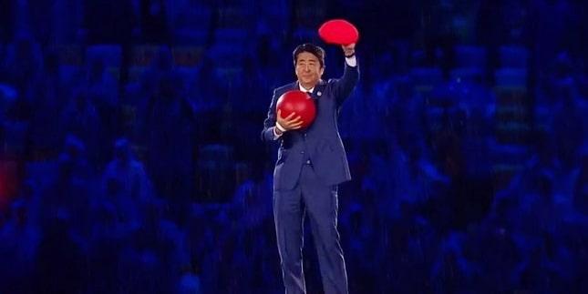 Japanski premijer kao Super Mario posjetio Olimpijske igre